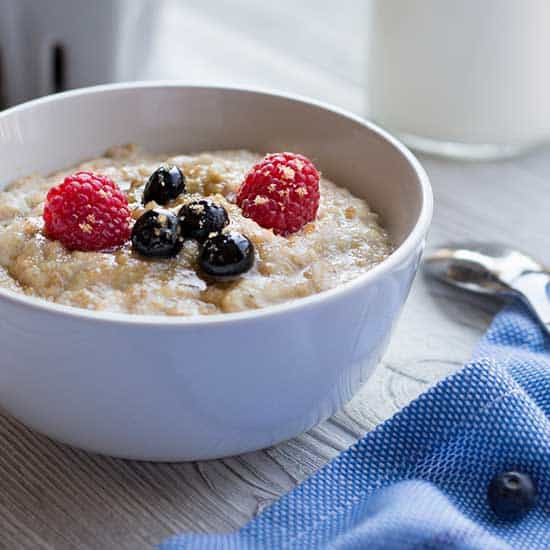 Close up of Instant Oatmeal in bowl with berries